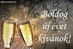 boldog új évet kívánok pezsgő