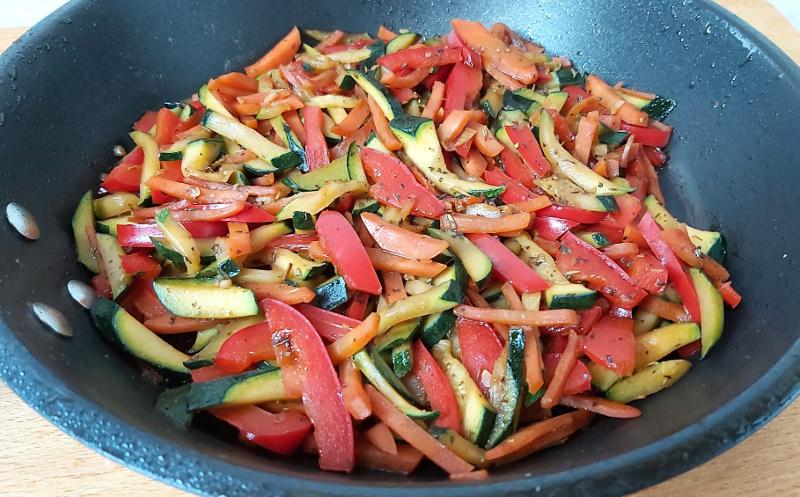 serpenyős párolt zöldség