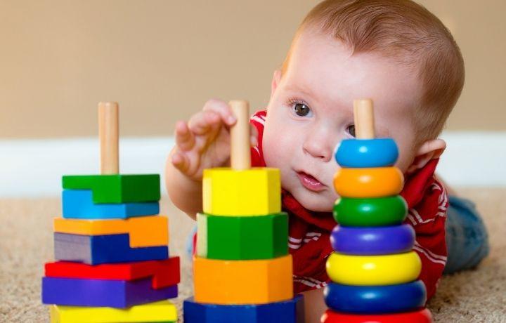 fejlesztő játék babáknak